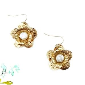 Jewelry - Gold & Pearl Magnolia Flower Earrings